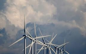 Производство «чистой» электроэнергии в Украине увеличилось на треть