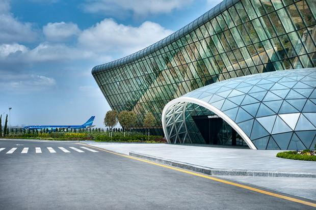Самые красивые и необычные здания мира: Аэропорт Баку, Азербайджан