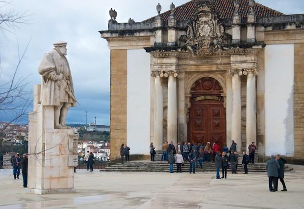 Самые красивые и необычные здания мира: Библиотека Жуанина, Португалия