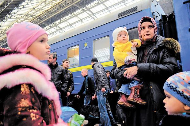 Свыше 2000 жителей Крыма и юго-востока хотят переехать во Львовскую область