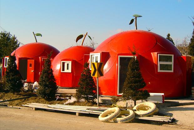 Топ-9 необычных строений мира: Дома без углов