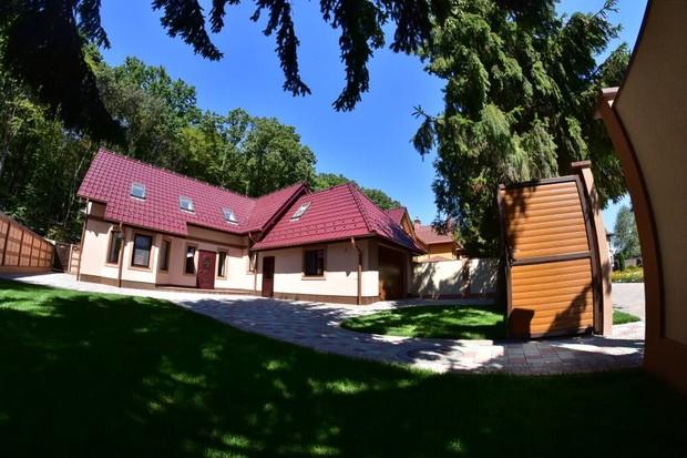 В гармонии с природой стартовали продажи домов, коттеджи в Карпатах.