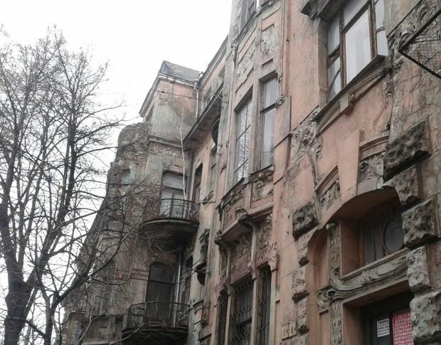 У Києві 106 аварійних будинків