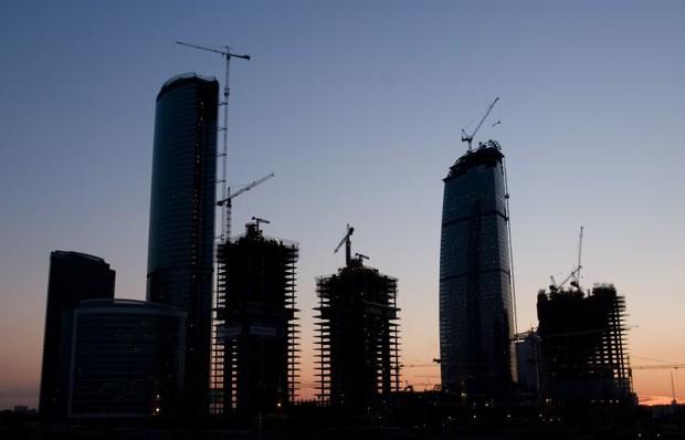 В Киеве остановлено строительство трех многоэтажек