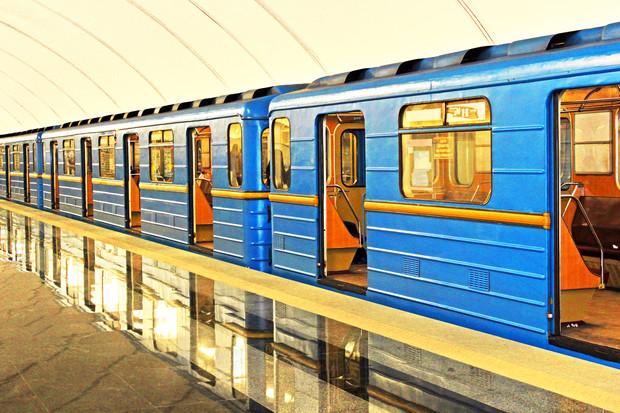 В Киеве входы в метро оборудуют рамками-металлоискателями