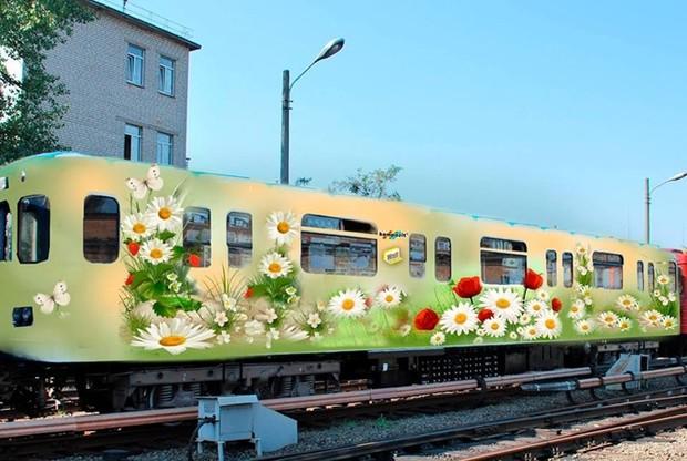 В Киевском метро запустят «вагон цветов», а во львовских трамваях заиграет музыка Баха