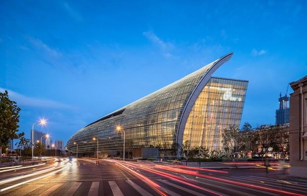 В Китае появился огромный ТРЦ длиной 350 метров (фото)