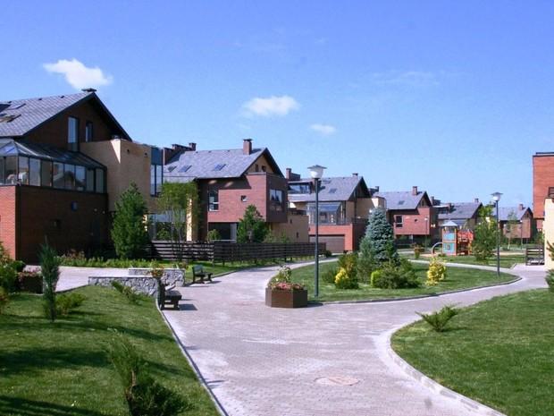 В марте увеличился спрос на пригородную недвижимость