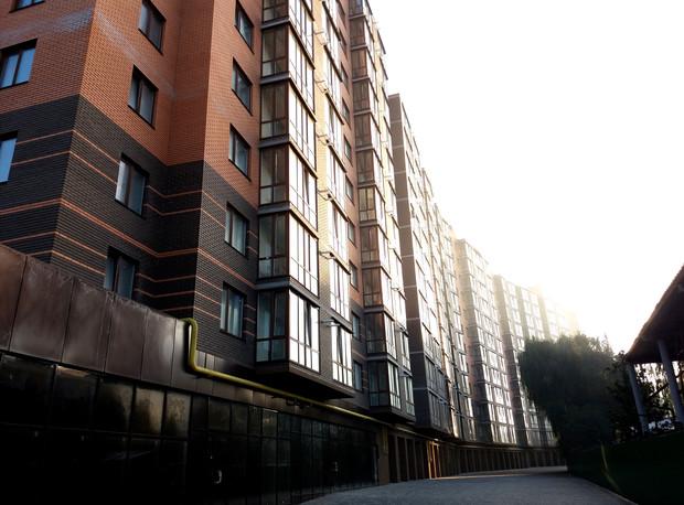 """В продажу поступили последние квартиры в завершающей секции уютного жилого комплекса """"Семейный""""."""