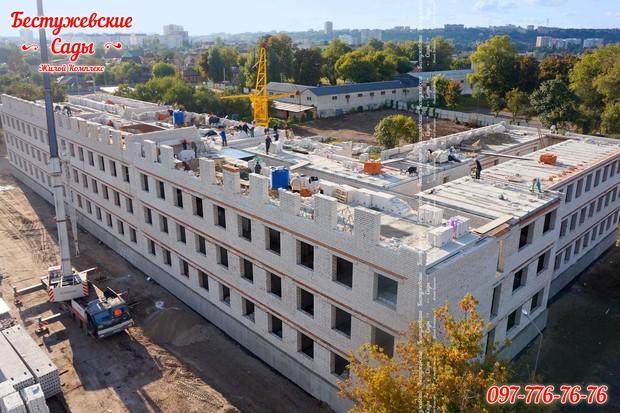 В ЖК «Бестужевские Сады» возводится уже четвертый этаж!