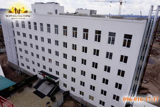 В ЖК «Воробьевы горы-6» завершается покраска фасада с западной стороны!