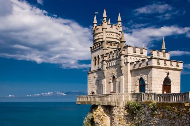 Вместе с Крымом Украина может потерять большое количество культурных объектов