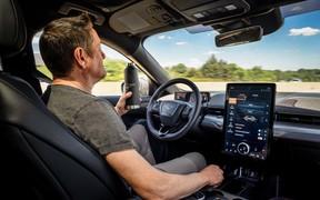 10 самых толковых автомобильных ассистентов