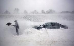 10 вещей, которые нужно взять в машину зимой