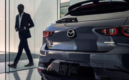 250-сильная Mazda3 Turbo будет «золотой». На что еще потратить деньги?