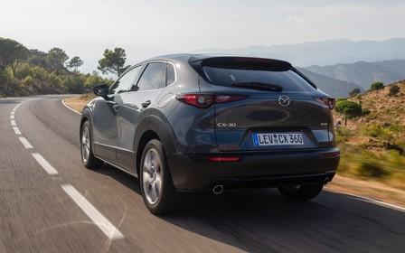 250-сильний Mazda CX-30 Turbo покажуть за тиждень?