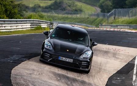 3,1 секунды до сотни. Обновленный Porsche Panamera начал с рекорда
