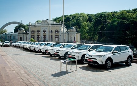 40 гібридних RAV4 отримав автопарк Держекоінспекції