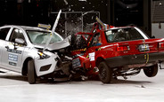 Видео: Nissan Tsuru столкнули в краш-тесте с Versa 2016 года