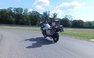 В BMW разработали беспилотный мотоцикл. ВИДЕО