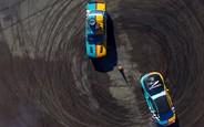 Посторонись, Top Gear! Netflix и Шарлиз Терон представили новое автомобильное шоу. ВИДЕО