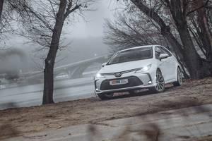 Тест-драйв Toyota Corolla Hybrid: Два шага вперед