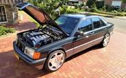 36-летний Mercedes-Benz 190E оценили в стоимость нового Е-Класса