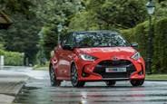 Тест-драйв Toyota Yaris Hybrid: менший та кращий