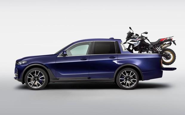 А что если? BMW X7 превратили в пикап