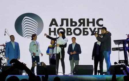 Альянс Новобуд вручил квартиру параолимпийской чемпионке