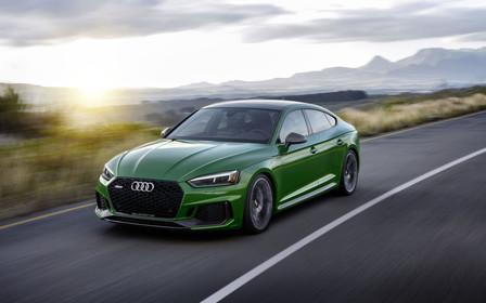 Audi Sport випускає на ринок інноваційний легковий автомобіль високого класу.