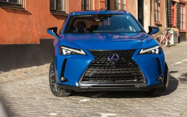 Автомобиль недели: Lexus UX