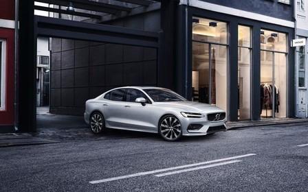 Автомобиль недели: Volvo S60