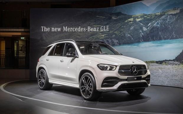 Бит, некрашен! Mercedes-Benz показал, на что способна подвеска GLE. ВИДЕО