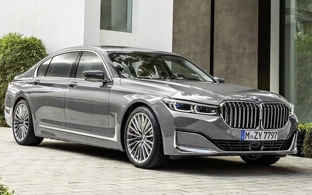 BMW 7 серии показали официально. Что изменится, кроме «ноздрей»? ВИДЕО