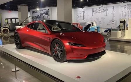 Бомба-ракета! Tesla Roadster отримає «реактивну» версію SpaceX