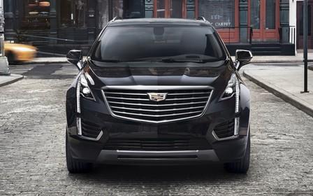 Cadillac опубликовал первые изображения кроссовера XT5