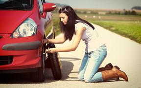 Что делать, если в машине нет домкрата?