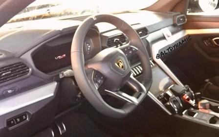 Что внутри: в Сети опубликовали фото интерьера Lamborghini Urus