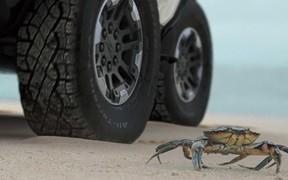 Дал краба. Новый Hummer научат ходить боком. ВИДЕО