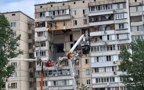 Демонтаж поврежденного дома на Позняках будет стоить 14,3 млн грн