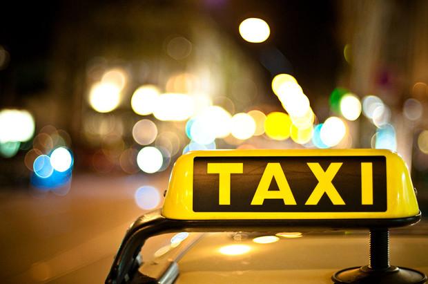 Депутаты хотят легализовать все такси и пугают штрафами до 17000 грн.