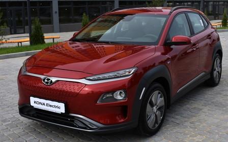 Електричний кросовер Hyundai Kona Electric - 450 км чистого руху!