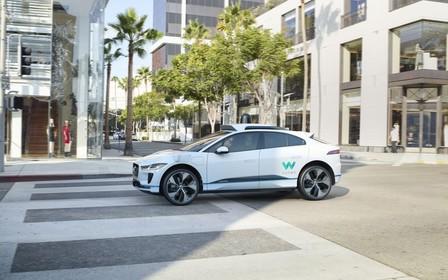 Электро-кроссовер Jaguar i-Pace поедет сам