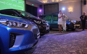 Электромобили в Украине: Новый Renault Zoe, Hyundai Ioniq и улучшение электрозаправок