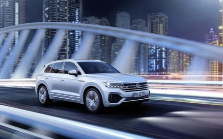 «Фари IQ.Light в Volkswagen Touareg»