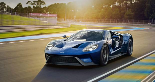 Ford GT: Максимальная скорость - 347 км/ч