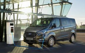 Ford представил гибридный микроавтобус Tourneo Custom