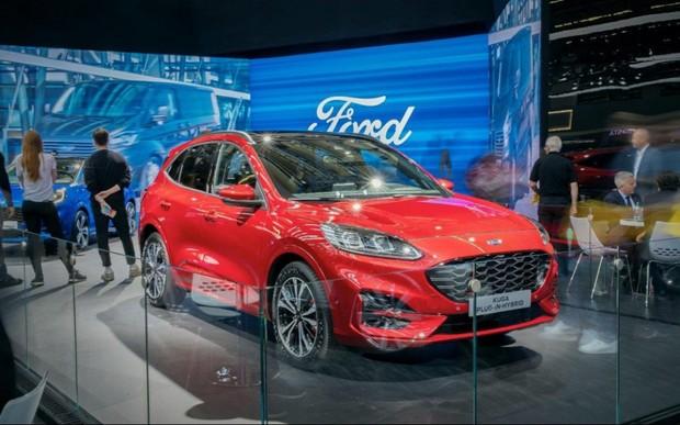 Ford представляє лінійку електричних автомобілів на виставці у Франкфурті