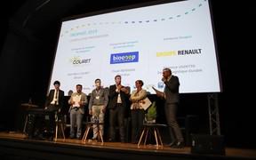 Група Renault получила награду Eve Trophy* от организации Ademe за сокращение выбросов CO2 в своих перевозках